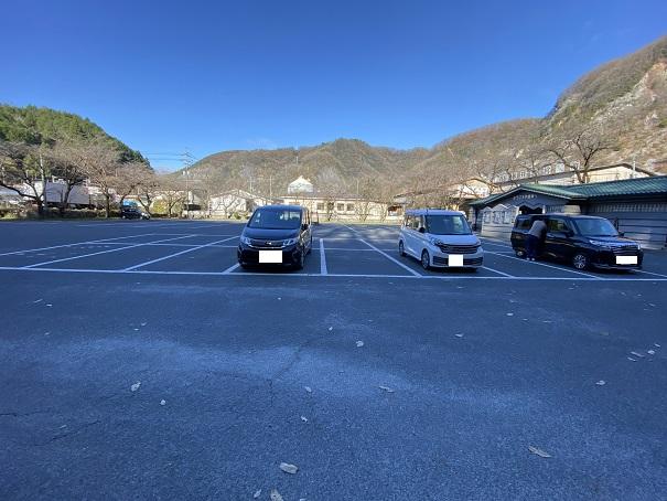 井倉洞 駐車場