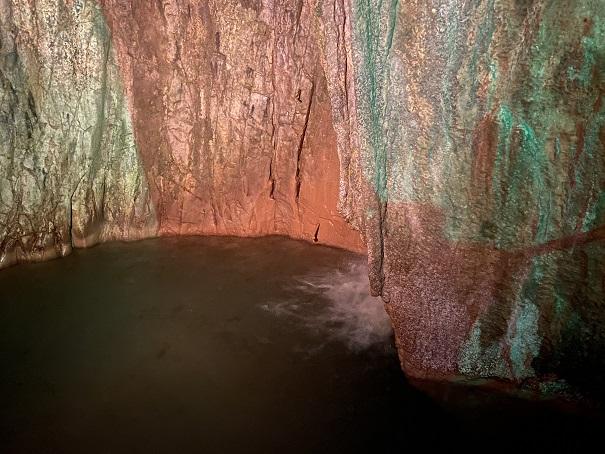 井倉洞 音の滝