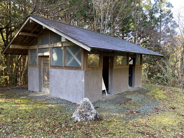 グリーン・パークほどの キャンプ場 トイレ
