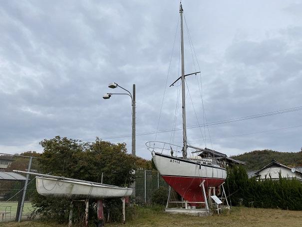 ルポール粟島 日本最初のセメントヨット