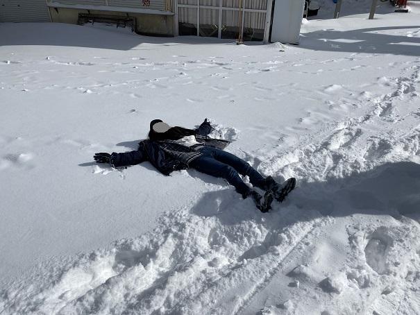 石鎚山 雪遊び ダイブ