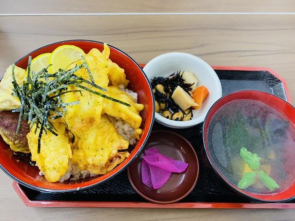 郷土料理潮風 鶏天丼