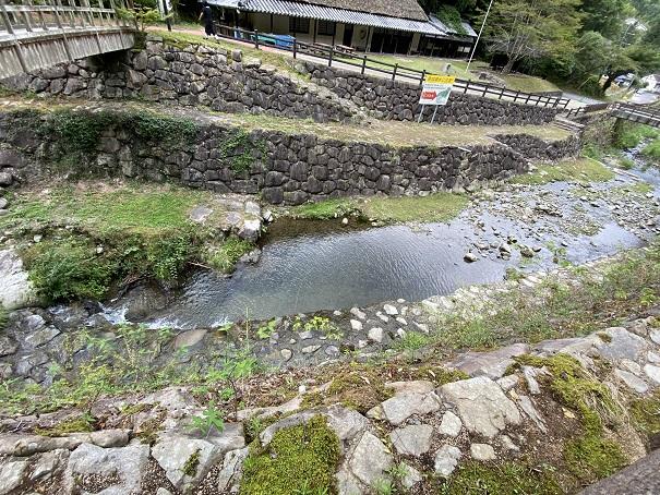奥の湯ふれあいの里 内場川2