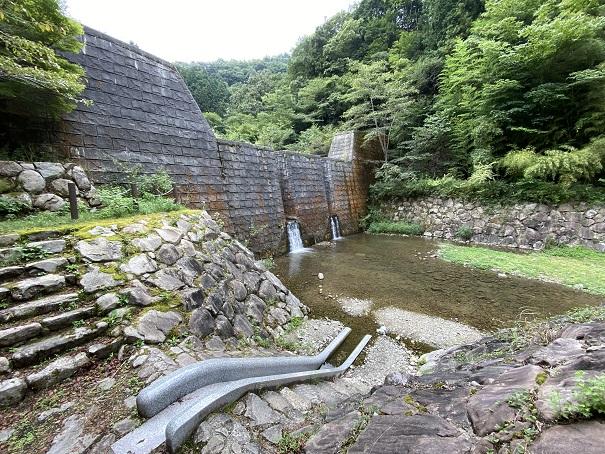 奥の湯ふれあいの里 自然プール滑り台