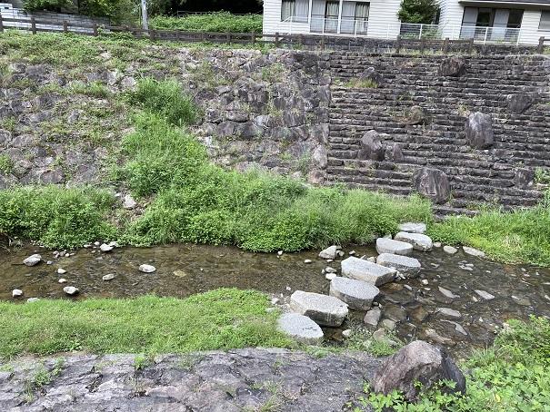 奥の湯ふれあいの里 川遊び3