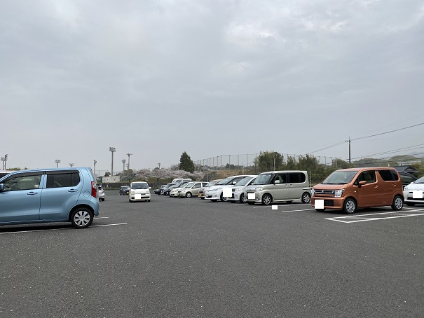 県立亀鶴公園 駐車場1