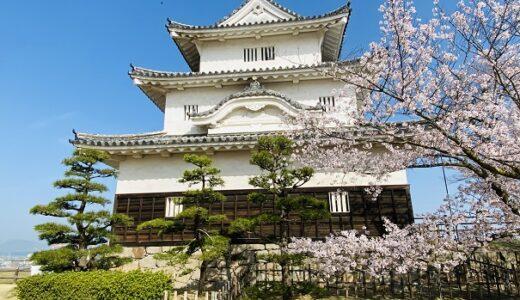 丸亀城の桜の花見 ソメイヨシノが石垣をピンク色に染める