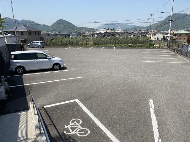萬燈珈琲店 駐車場