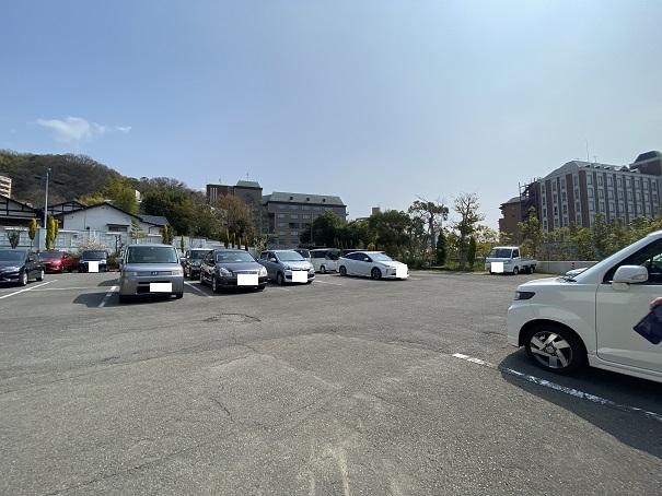 道後ぎやまんガラス美術館 駐車場