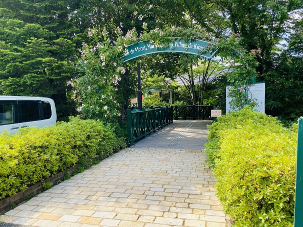 モネの庭 花の庭入口