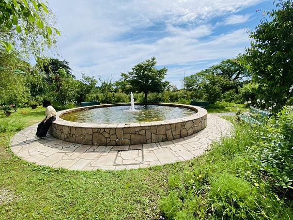 モネの庭 花の庭噴水