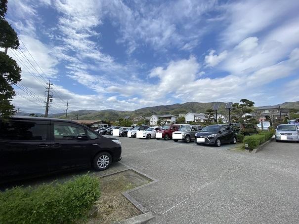 藍ランドうだつ駐車場