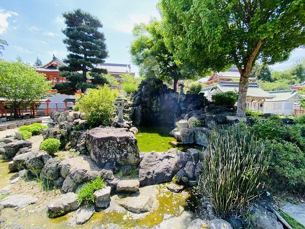 耕三寺博物館 万葉の庭