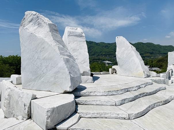 耕三寺博物館 未来心の丘 亀玉の舞台