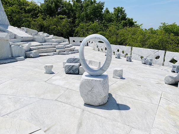 耕三寺博物館 未来心の丘 ハートの枠