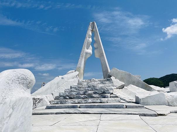 耕三寺 未来の丘 光明の塔