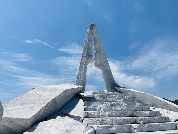 耕三寺博物館 未来心の丘 光明の塔