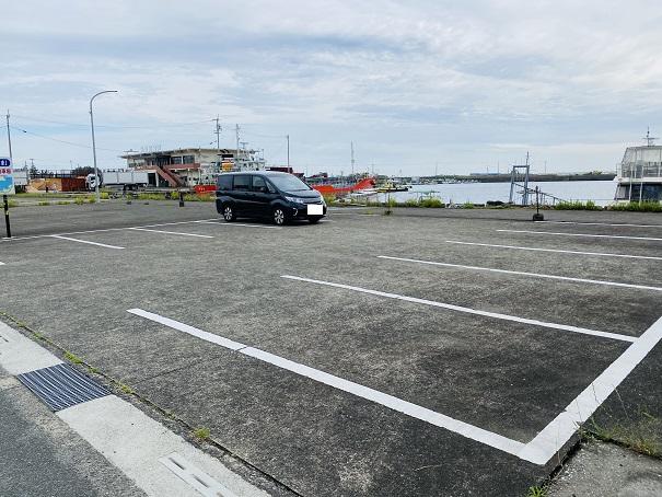 定期船あおしま駐車場