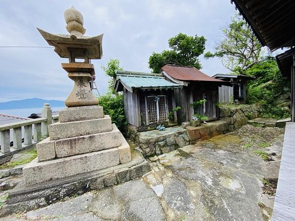 青島神社 燈籠