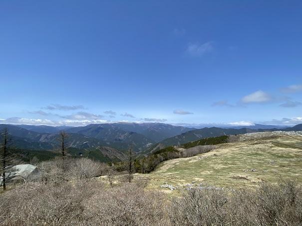四国カルスト姫鶴平からの眺望