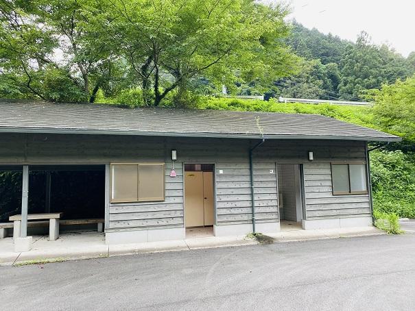 美郷ほたる館 駐車場のトイレ