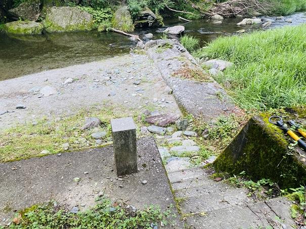 美郷ほたる館 川へ降りる階段