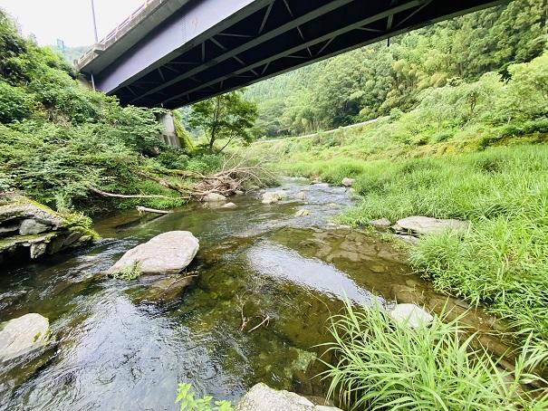 美郷ほたる館 川田川橋の下