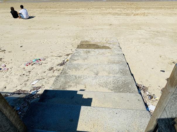 笹尾海水浴場 ビーチ入口