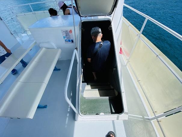 ブルーマリン 海中展望室へ