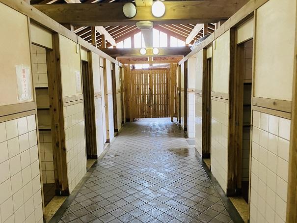 白浜海水浴場 シャワー室