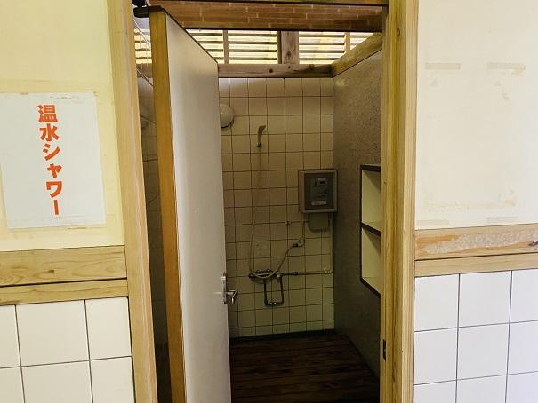 白浜海水浴場 シャワー室個室