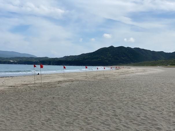 リ巌流が発生する海に赤旗
