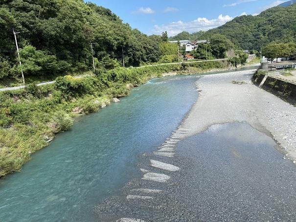 台風や大雨の日は川に近づかない