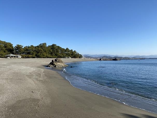 遊泳禁止の危険な海岸