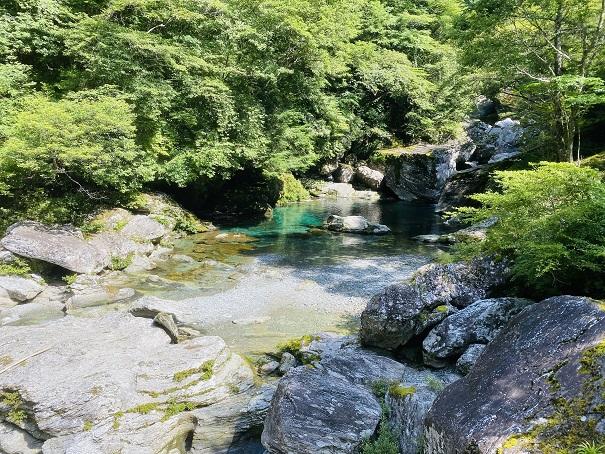 瀬戸川渓谷 ぶらぶら橋離れたところから