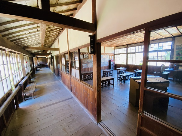岬の分教場 廊下