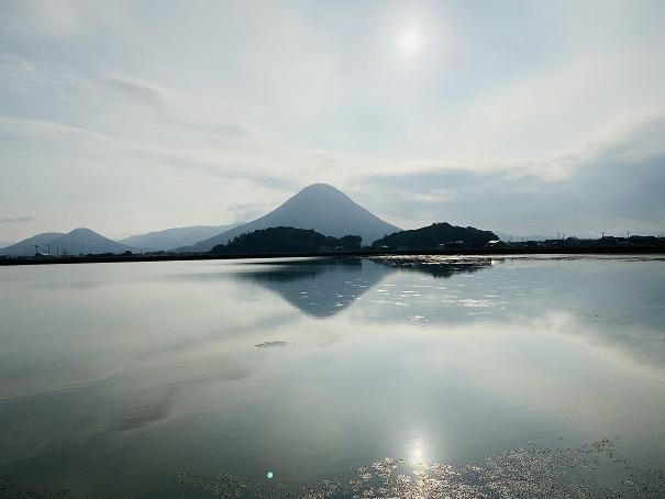 日が昇ったダブルダイヤモンド讃岐富士