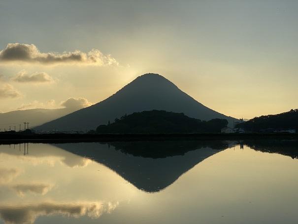 朝日が昇る前ダブルダイヤモンド讃岐富士