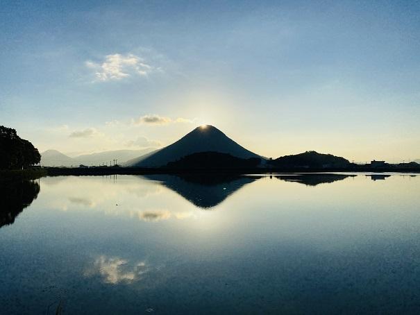 太陽が出る前ダブルダイヤモンド讃岐富士