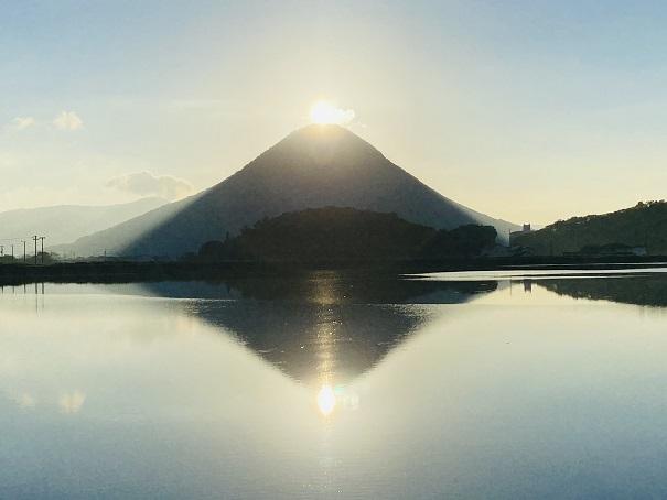 ダブルダイヤモンド讃岐富士輝く太陽