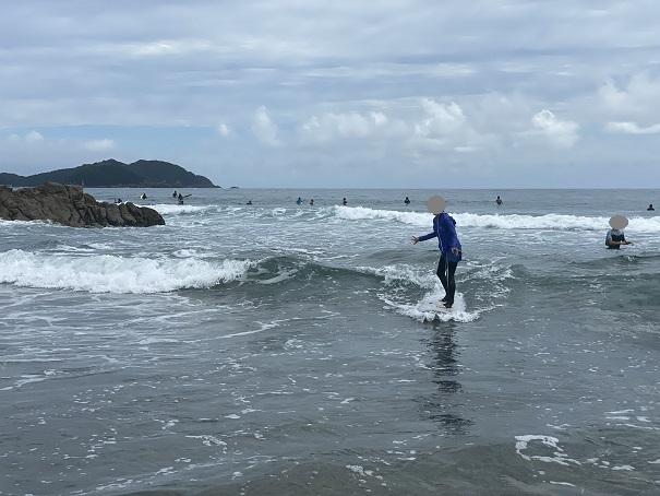 サーフィンスクール初体験 テイクオフ