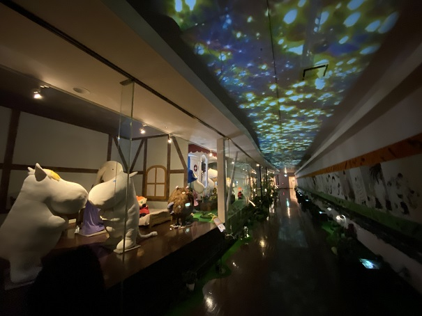 タオル美術館 ムーミン展示天井