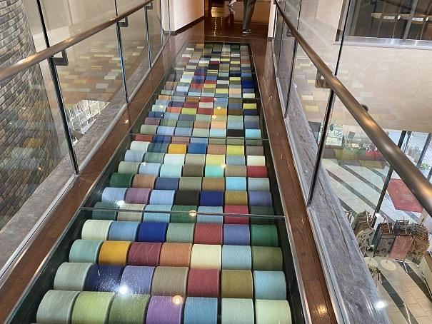 タオル美術館 糸の廊下