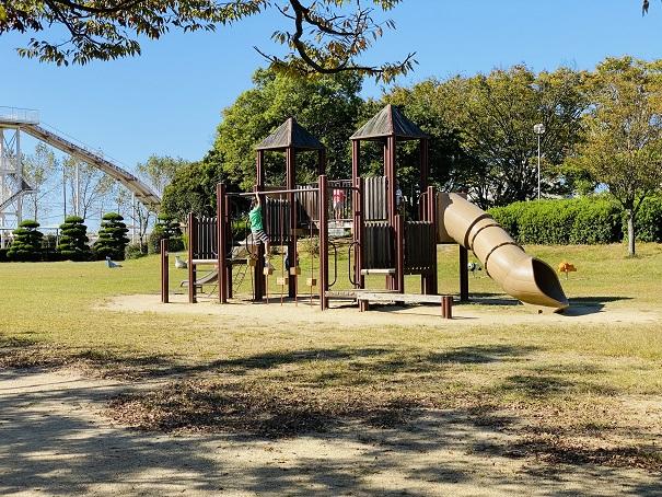 伊予三島運動公園 児童広場滑り台