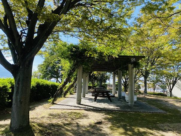 伊予三島運動公園 東屋